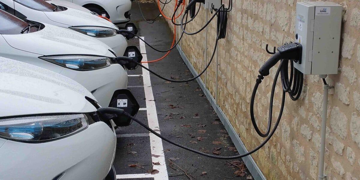 Borne de recharge électrique réglementation