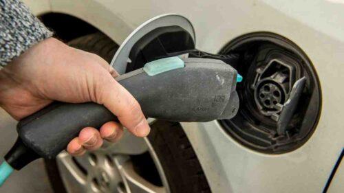 Comment faire installer une borne électrique voiture ?